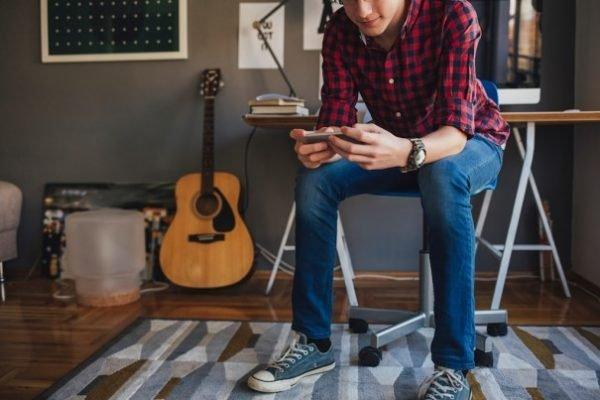 Un 57% de los consumidores visualiza vídeos en sus móviles cada día